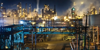 Measuring composition and impurities in refinery gases to optimize process and hydrogen quality